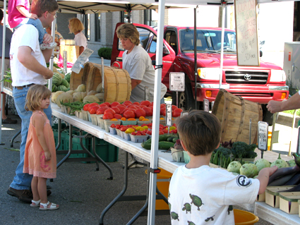 sep08_farmersmarket1