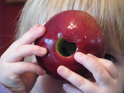 jan09-apple-dipper-snack5