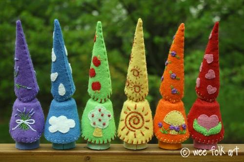largepeggnomes-lineupbackwm