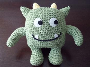 crochetmonsters12wm