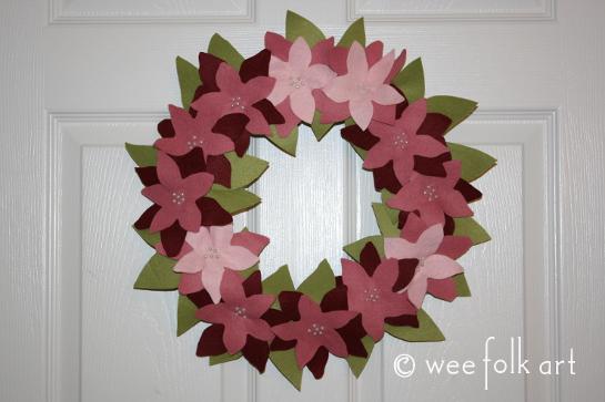 feltpoinsettiawreath-complete545wm