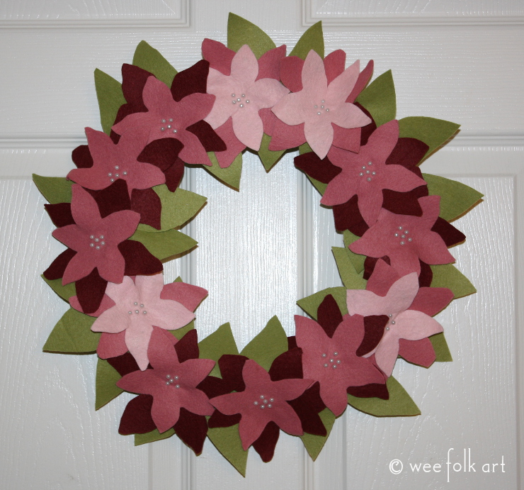 feltpoinsettiawreath-complete740squarewm