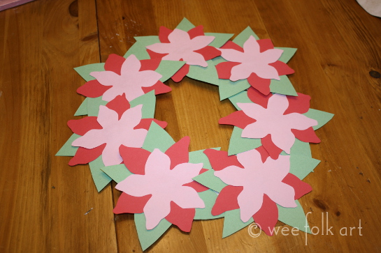 paperpoinsettiawreath-glued on545wm