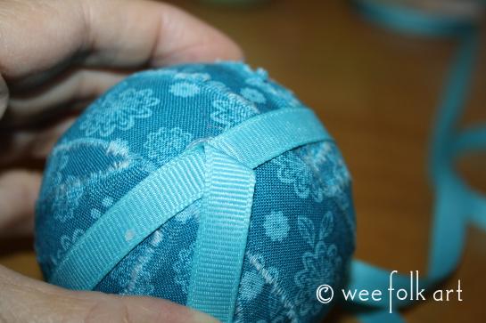 ragballornament-ribbon2-545wm