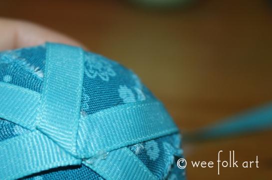 ragballornament-ribbon3-545wm