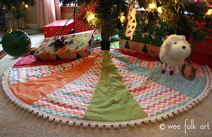 Easy Pom Pom Quilted Tree Skirt Wee Folk Art
