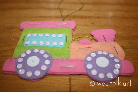toy train ornament - cut out pastel 545wm