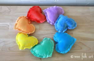 puffy-hearts-wall-hanging