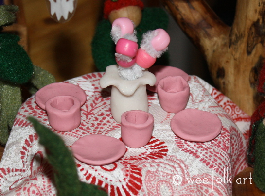 gnome valentines crafts cups and vase 545wm