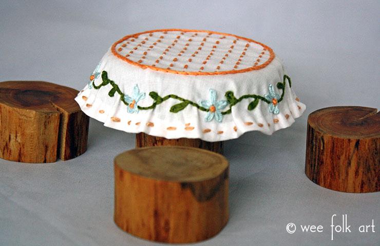 miniture-tablecloth-main