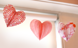 valentine craft paper heart garland