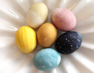 feast-and-west natural Easter egg dye recipes