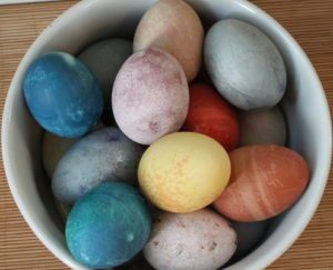 honest cooking natural Easter egg dye recipes