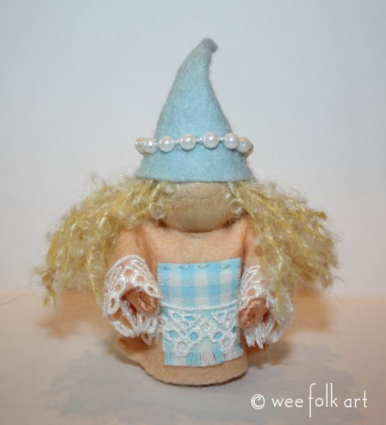 seaside gnomes caleen 545wm
