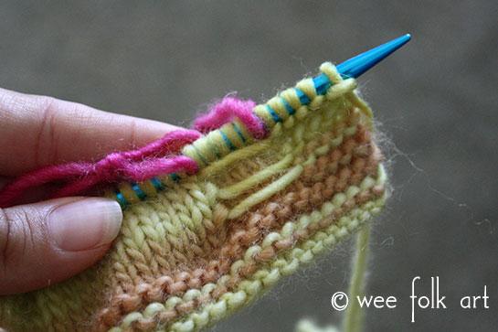 knit butterfly stitch carry yarn 4