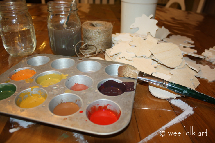 painted wooden leaves supplies
