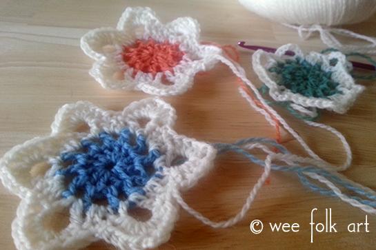 retro-crochet-snowflake-ornaments4