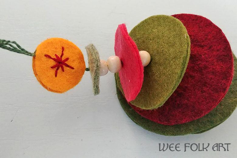 how to make a Wool Felt Christmas Tree Ornament
