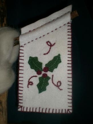 Christmas Holly Banner Pattern