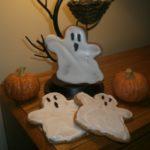 Butterscotch Gingerbread Cookie Recipe :: Halloween Ghosts
