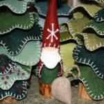 Santa Gnome :: Santa Peg Doll